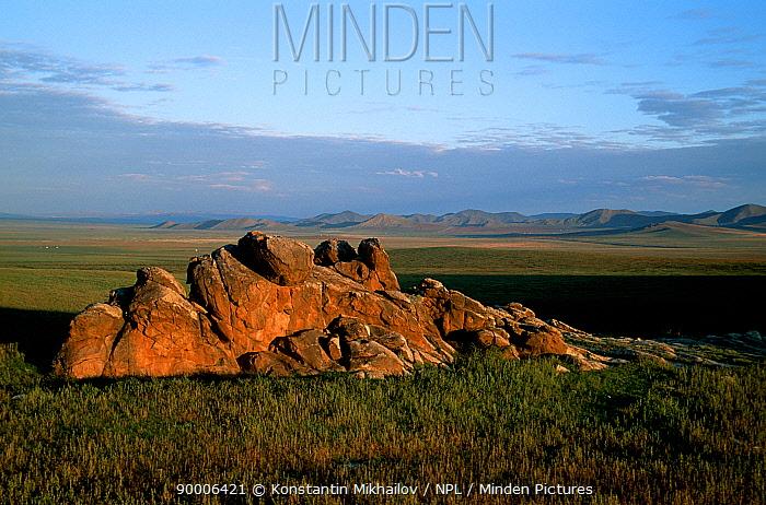 Gobi Desert, steppe zone, Mongolia  -  Konstantin Mikhailov/ npl
