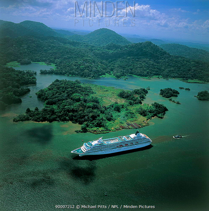 Aerial view of cruise ship sailing down coast of Panama, Central America  -  Michael Pitts/ npl