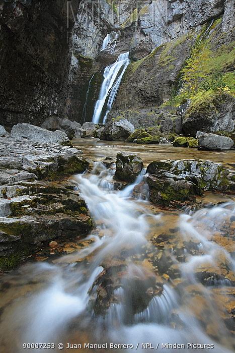 El Estrecho waterfall on the Arazas River Ordesa y Monte Perdido National Park, Huesca, Spain  -  Juan Manuel Borrero/ npl