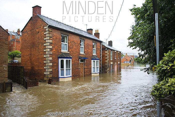 Flood waters on residential street in Stroud, Gloucestershire, July 2007  -  Nick Turner/ npl