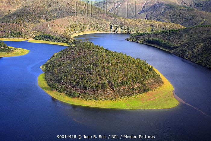 Meander in River Alagon, Riomalo, Las Hurdes, Caceres, Extremadura, Spain  -  Jose B. Ruiz/ npl