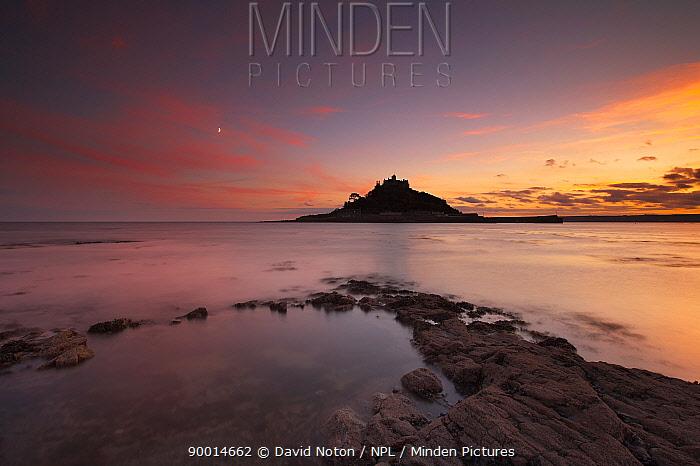 St Michael's Mount at dusk, Marazion, Cornwall, England, UK  -  David Noton/ npl