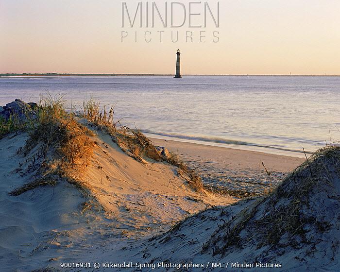 Morris Island Light House near Folly Beach, Atlantic Ocean, South Carolina, USA  -  Kirkendall-spring/ npl