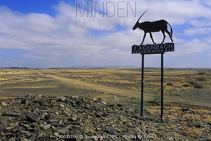 Entrance to a farm in the South of the Namib desert, Namibia  -  Jouan & Rius/ npl
