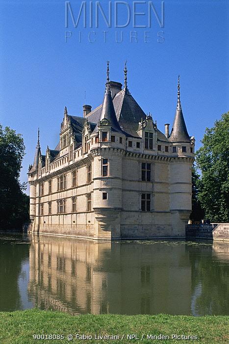 Azay le Rideau chateau reflected in moat, France  -  Fabio Liverani/ npl
