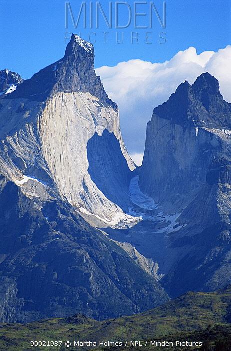 Cuernos del Paine (2668m) in autumn, Torres del Paine NP, Chile  -  Martha Holmes/ npl