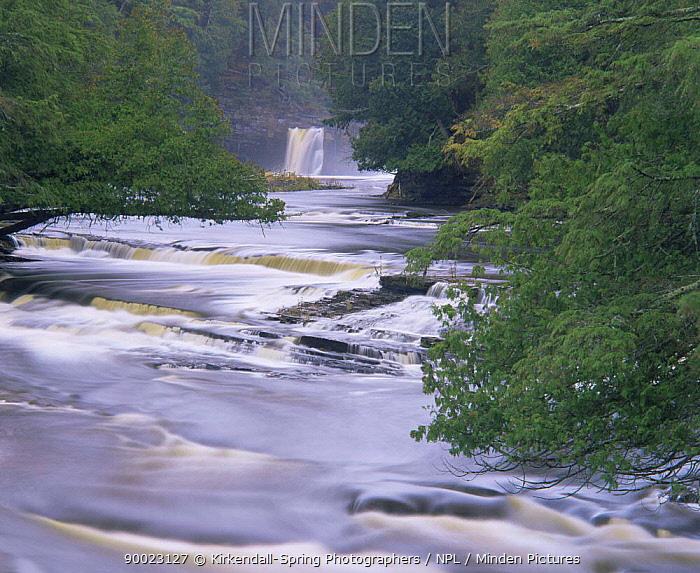 Waterfall on the Presque Isle River, Porcupine Mountains Wilderness State Park, Michigan, USA  -  Kirkendall-spring/ npl