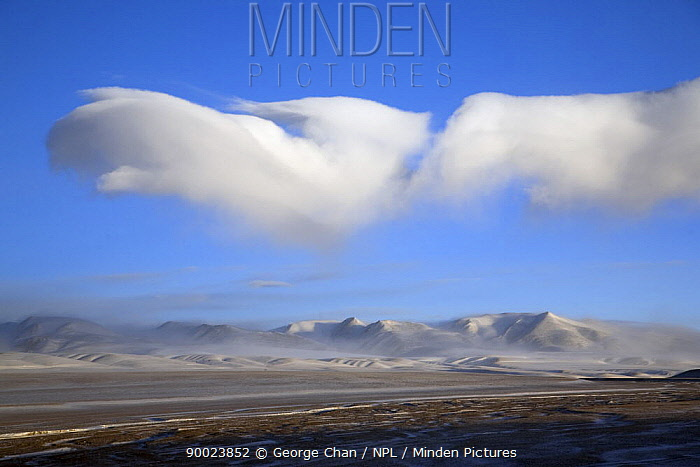 Cloud formations at dawn near Shuanghu town in Tibet's Chang Tang Nature Reserve As the second largest Nature Reserve on earth, it is China's greatest natural asset December 2006  -  George Chan/ npl