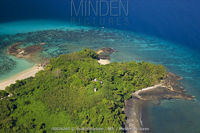 Aerial view of the coast on the island of Nosy Tanikely, near Nosy Be, North Madagascar  -  Inaki Relanzon/ npl
