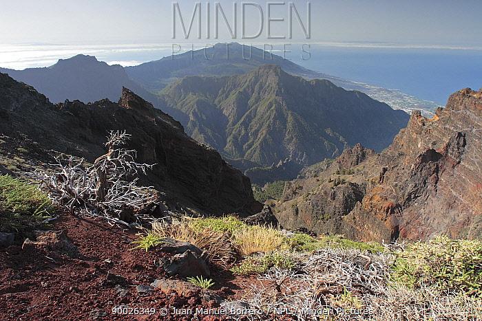 The volcanic landscape of Caldera de Taburiente National Park, La Palma Canary Islands, Spain  -  Juan Manuel Borrero/ npl