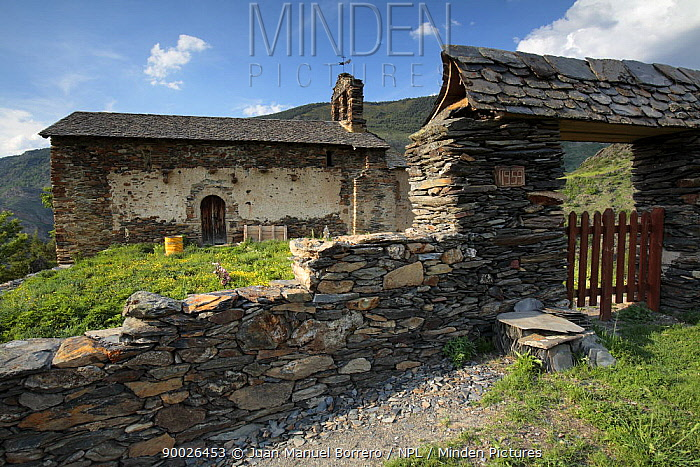 Romanesque hermitage at Alendo in the Pyrenees mountains, Catalonia, Lerida, Spain  -  Juan Manuel Borrero/ npl