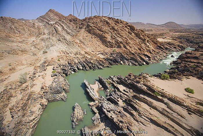 Aerial view of Kunene river, Kaokoland, Namibia  -  Sue Flood/ npl