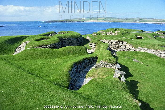 Scara Brae, mesolithic settlement Orkney, Scotland  -  John Downer/ npl