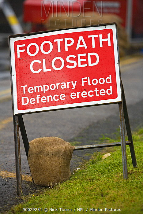 Footpath closed sign at Upton-on-Severn, Worcestershire, June 2007  -  Nick Turner/ npl