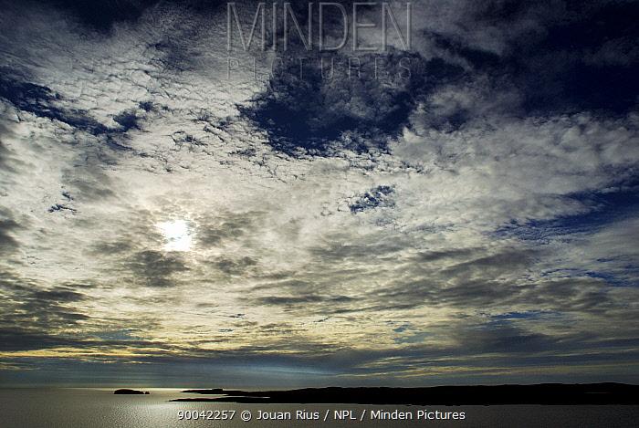 Dore Holm at sunset, Eshaness Peninsula, Mainland West, Shetland Islands, Scotland, UK  -  Jouan & Rius/ npl