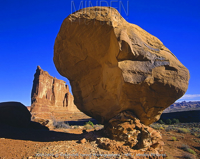 A balanced rock near the Tower of Babel in Arches National Park, Utah, USA  -  Kirkendall-spring/ npl