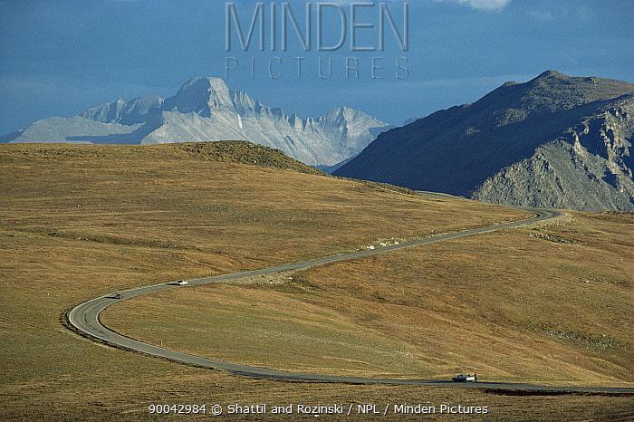 Trail Ridge road and Longs Peak, Rocky Mountain NP, Colorada, USA  -  Shattil & Rozinski/ npl