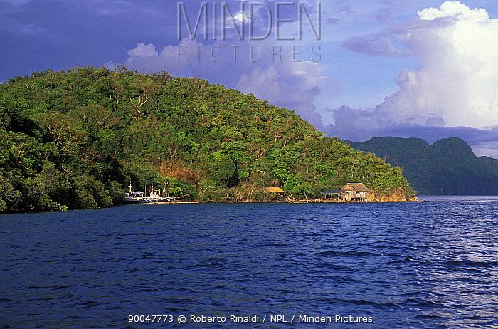 Coron Island, Palwan, Philippines  -  Roberto Rinaldi/ npl