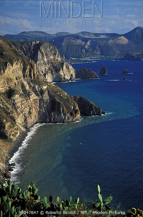 Coastline of Vulcano, one of the seven Aeolian Islands, Italy  -  Roberto Rinaldi/ npl