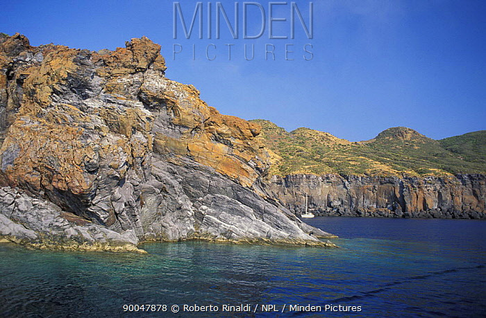 Coast of Lipari, Aeolian islands, Italy  -  Roberto Rinaldi/ npl