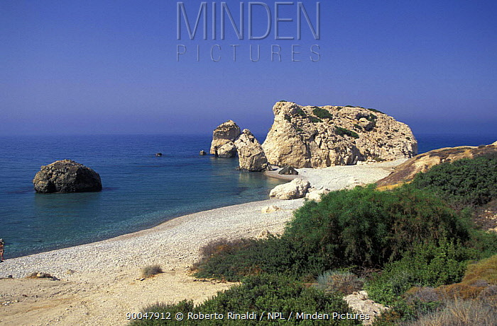 Aphrodite Rocks, Petra tou Romiou (The Rock of the Greek), Pafos, Cyprus  -  Roberto Rinaldi/ npl