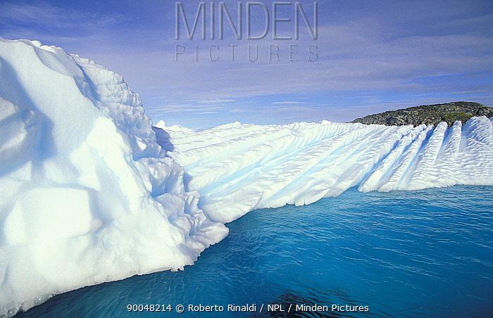 Patterns on eroded icebergs, Antarctic Peninsula  -  Roberto Rinaldi/ npl