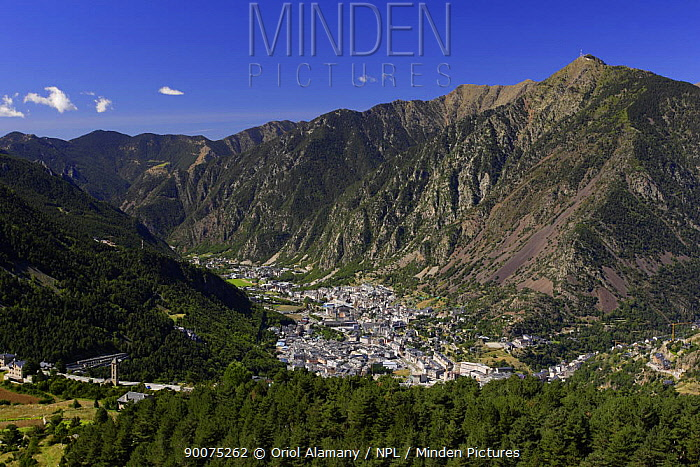 Andorra la Vella, Escaldes and Engordany villages with Garroi peak in the background seen from Engolasters, Pyrenees, Andorra, September  -  Oriol Alamany/ npl