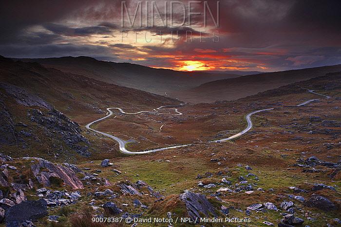 The road over the Healy Pass at dawn, Caha Mountains, Beara Peninsula, Co Cork, Ireland, October 2008  -  David Noton/ npl