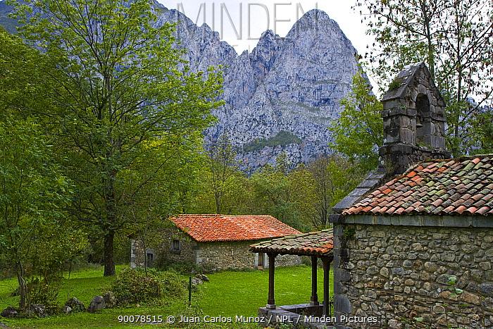 Small chapel and hut on the Ruta del Cares path, Pico de Europa NP, Leon, Northern Spain October 2006  -  Juan Carlos Munoz/ npl
