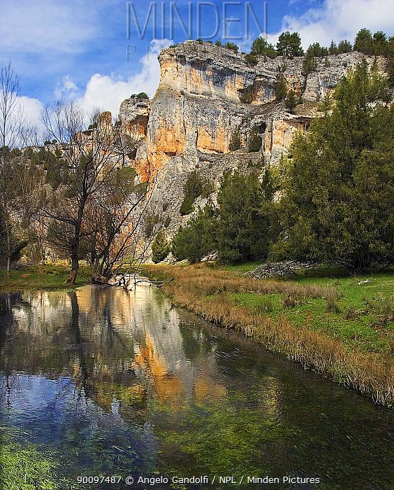 Rio Lobos canyon, Castilla y Leon, Spain April 2006  -  Angelo Gandolfi/ npl
