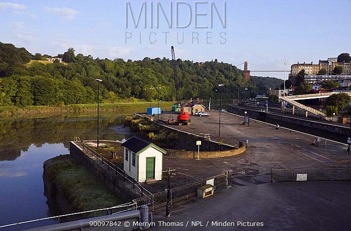 Bristol Docks in the early morning, UK, August 2009  -  Merryn Thomas/ npl