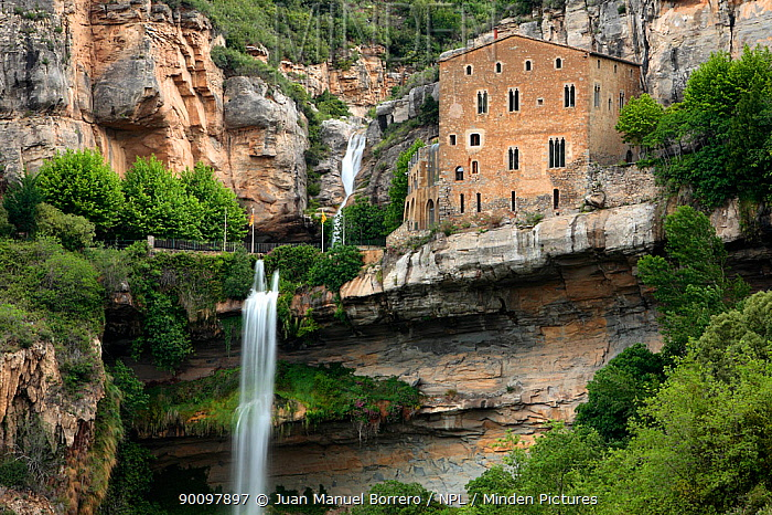 Waterfall in St Miguel de Fay Sanctuary, Barcelona, Catalonia, Spain May 2008  -  Juan Manuel Borrero/ npl