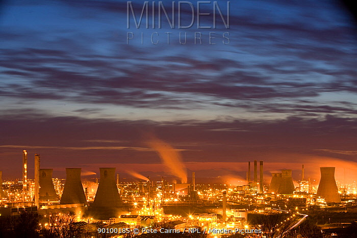 Grangemouth oil refinery at sunset, Grangemouth, Central Scotland, UK, May 2008  -  Pete Cairns/ npl