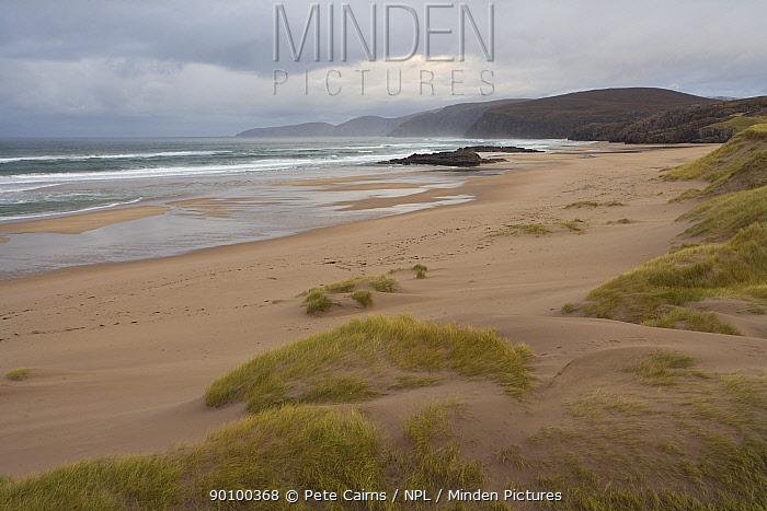 Seascape and coastal dune system at low tide looking north along Sandwood Bay, Sutherland, Scotland, UK, November 2008  -  Pete Cairns/ npl