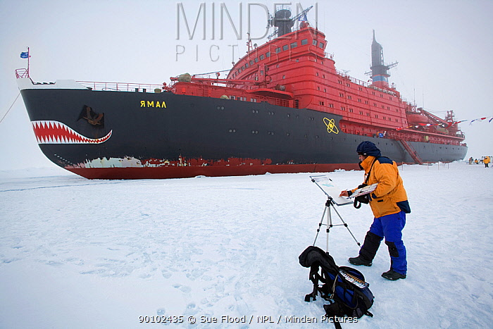 Canadian artist, David McEown, painting a watercolour of Russian nuclear icebreaker Yamal at the North Pole, July 2007  -  Sue Flood/ npl