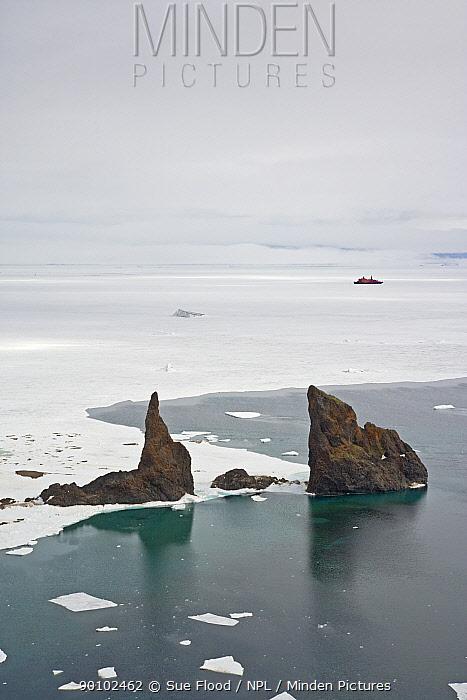 Aerial view of Cape Tegethoff, Franz Josef Land, Russian Arctic, July 2008  -  Sue Flood/ npl