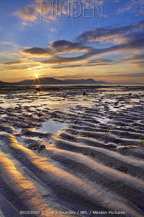 Lyme Bay at sunrise, Jurassic Coast World Heritage Site, Dorset, England, August 2006  -  Guy Edwardes/ npl