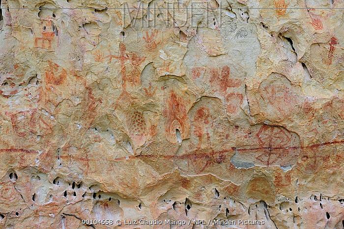 Rupestrian inscriptions made by pre-Colombian men, dated 10,000 years ago, in Sete Cidades National Park, municipality of Piracuruca, Piaua State, Northeastern Brazil March 2009  -  Luiz Claudio Marigo/ npl