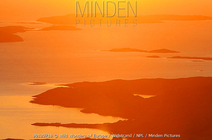 Aerial view of coast with sun low on the horizon, Flatanger, Nord Tr�ndelag, Norway, August 2008  -  WWE/ Widstrand/ npl