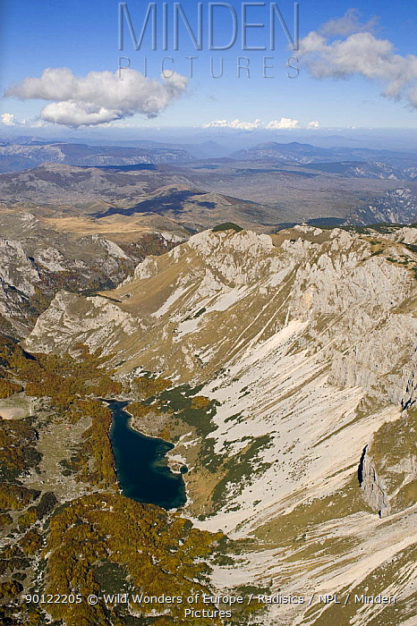 Aerial view of Skrcko Lake, Durmitor NP, Montenegro, October 2008  -  WWE/ Radisics/ npl