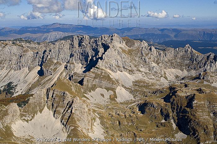 Aerial view of Durmitor Mountains, Durmitor NP, Montenegro, October 2008  -  WWE/ Radisics/ npl
