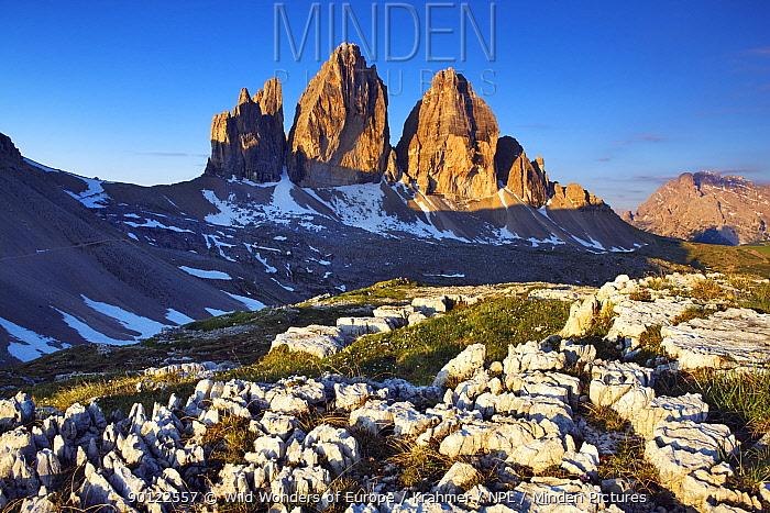 Tre Cime di Lavaredo mountain at sunrise, Sexten Dolomites, South Tyrol, Italy, Europe, July 2009  -  WWE/ Krahmer/ npl