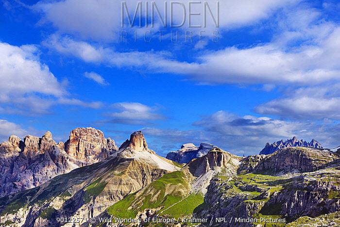 Mountain landscape southwest of Tre Cime di Lavaredo, Sexten Dolomites, South Tyrol, Italy, Europe, July 2009  -  WWE/ Krahmer/ npl