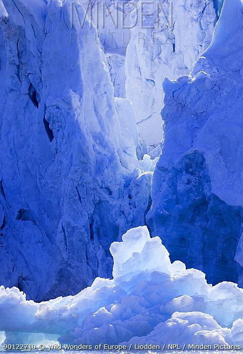 Coastal edge of the Smeerenburg glacier, Spitsbergen, Svalbard, Norway, June 2009  -  WWE/ Liodden/ npl