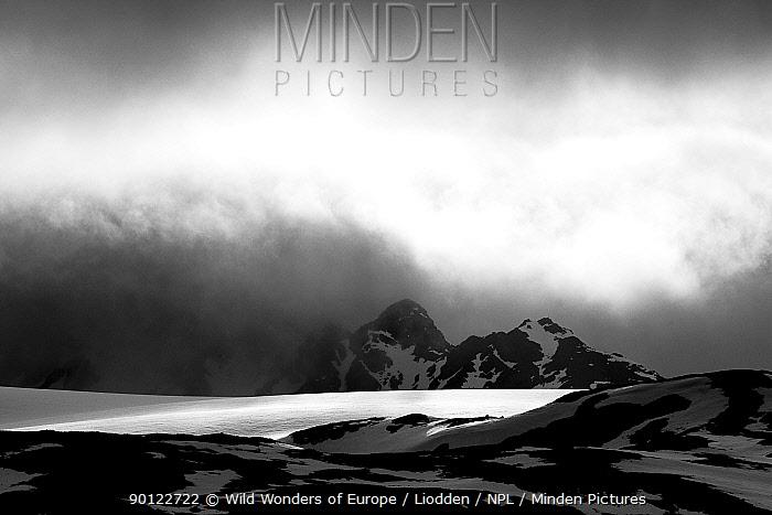 Clouds over a glacier, Spitsbergen, Svalbard, Norway, June 2009  -  WWE/ Liodden/ npl