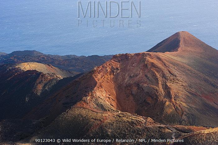 Teneguia Volcano crater, La Palma, Canary Islands, Spain, March 2009  -  WWE/ Relanzon/ npl