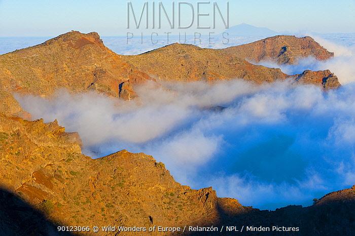 Mountains with low clouds surrounding them, La Caldera de Taburiente National Park, La Palma, Canary Islands Spain, March 2009  -  WWE/ Relanzon/ npl