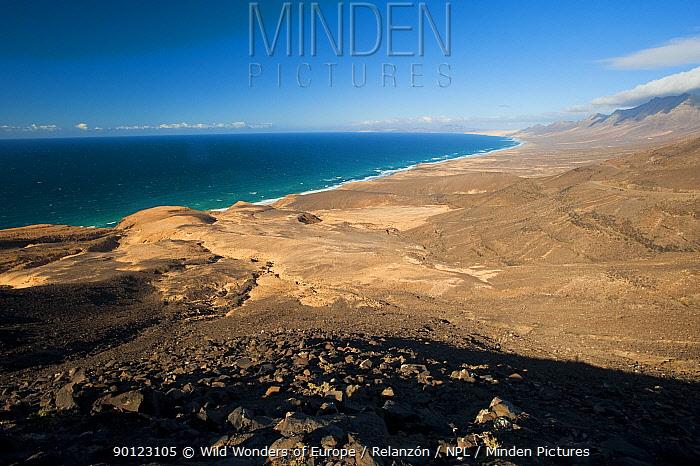 Coastal landscape, Jand?a Natural Park, South Fuerteventura, Canary Islands, Spain, April 2009  -  WWE/ Relanzon/ npl