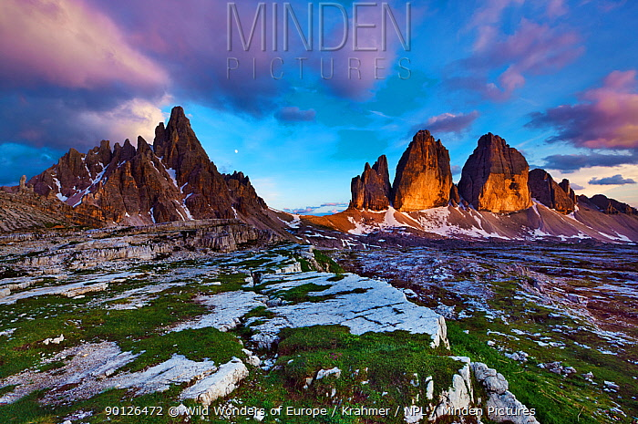 Paternkofel (left) and Tre Cime di Lavaredo mountains a sunset, Tre Cime di Lavaredo, Sexten Dolomites, South Tyrol, Italy, Europe, July 2009 BOOK and WWE OUTDOOR EXHIBITION NOT AVAILABLE FOR GREETING CARDS OR CALENDARS  -  WWE/ Krahmer/ npl