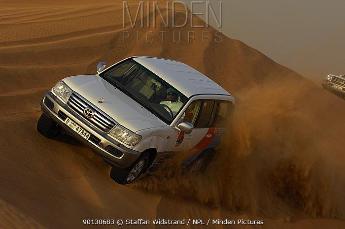 Dune bashing, a Dubai motorsport, driving 4x4 cars over the sand dunes, Dubai, United Arab Emirates, February 2007  -  Staffan Widstrand/ npl